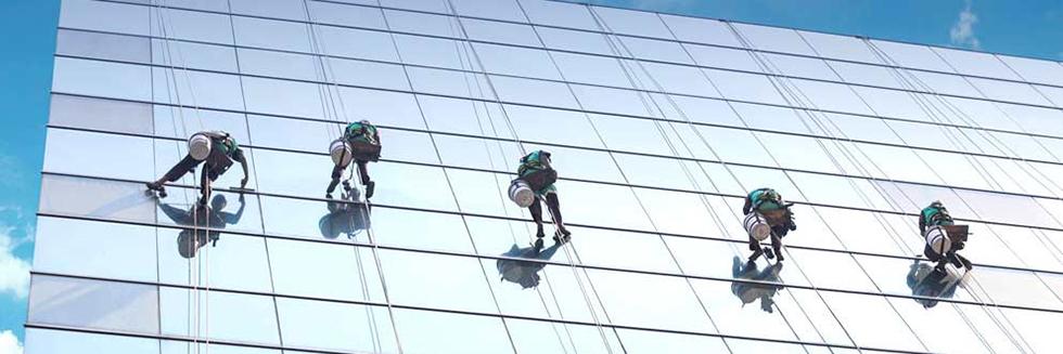 Мойка высотных зданий